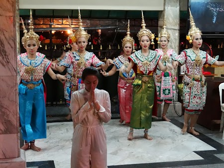 15. ceremonial la Erawan Shrine.JPG