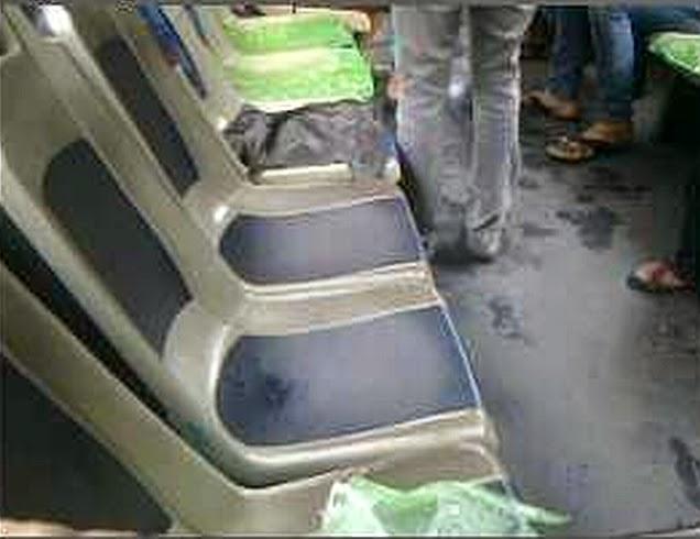 Basah Kuyup di Bus Transjakarta
