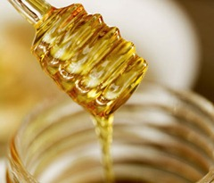 Vitamina para os cabelos: Mel ou gelia real?
