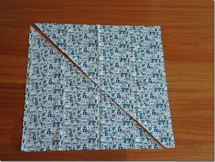 08_Tecido cortado em 2 triângulos