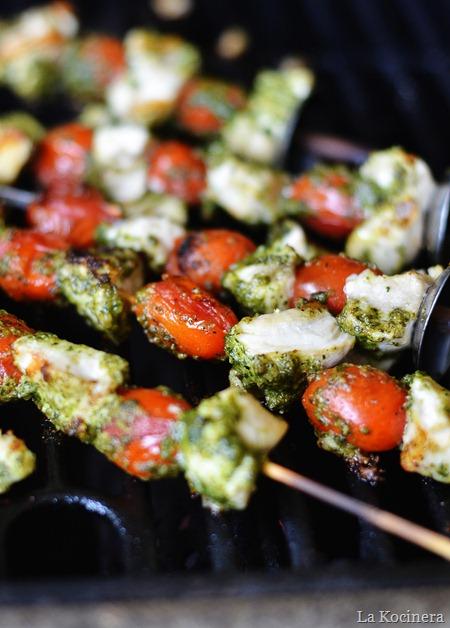 La Kocinera: Pesto Chicken Skewers