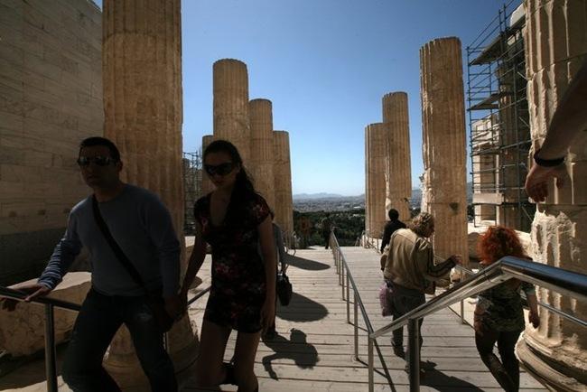 Μειωμένα τα τουριστικά έσοδα