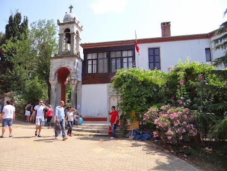 29. Manastirea Sf. Gheorghe Buyukada.JPG