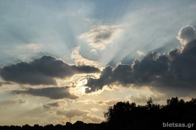 Ομορφα σύννεφα πάνω από τον Πολύλοφο