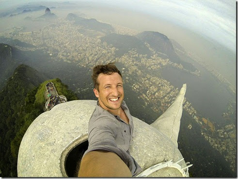ultimate-selfie-brazil-christ-statue-rio-thompson-1