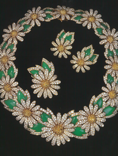 The Daisy parure was designed by Van Cleef and Arpels.  (photo, Elizabeth Taylor:My Love Affair With Jewelry)