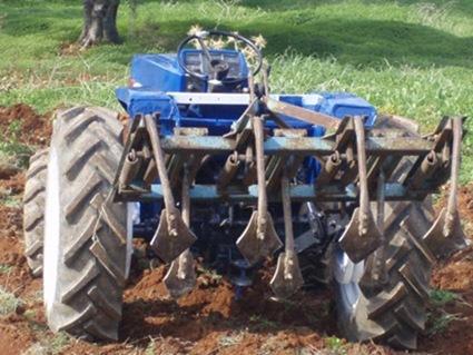 Μέχρι 31.12.2013 η εισαγωγή μεταχειρισμένων αγροτικών μηχανημάτων