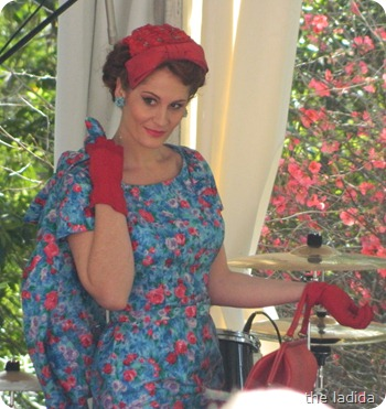 Fifties Fair Fashion Daywear Red/Blue Floral