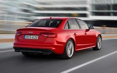 2013-Audi-S4-rear