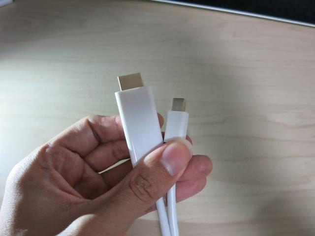 ThunderboltからHDMIに変換する