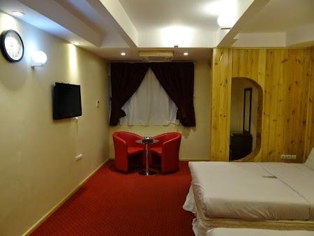02. Interior camera Hotel Setaregan.JPG