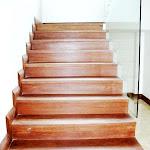 Escalera de madera en Sapán.JPG