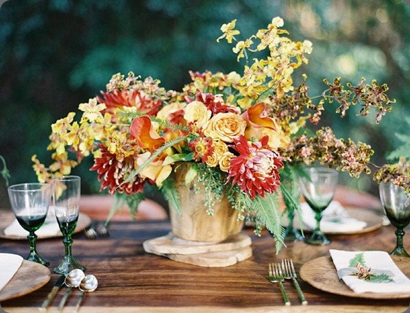 10OakandtheOwl_Orchid and Dahlia Centerpiece_thumb[2] Kurt Boomer photo