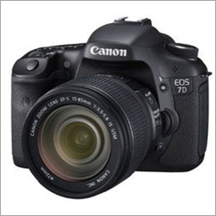 Canon 7D with 18-200mm