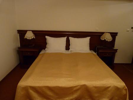9. patul din hotel Bulevard.JPG