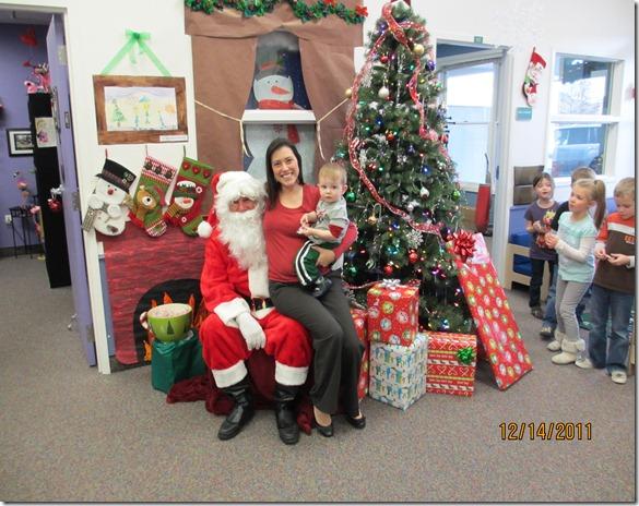 12 14 11 - Santa at Child Garden (6)