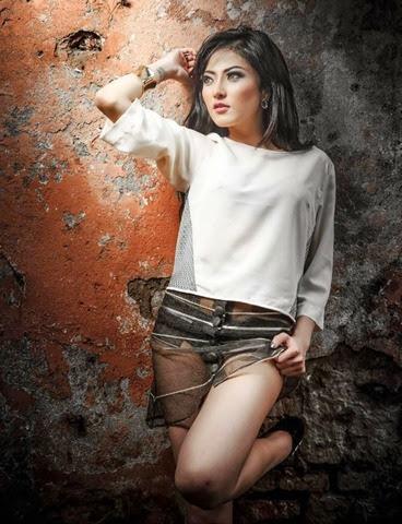 Foto Hot Seksi Bugil Model IGO Ayu Aulia