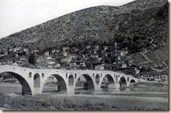 Ponte sul fiume Osum, Berat (foto: Franz Bespaletz).