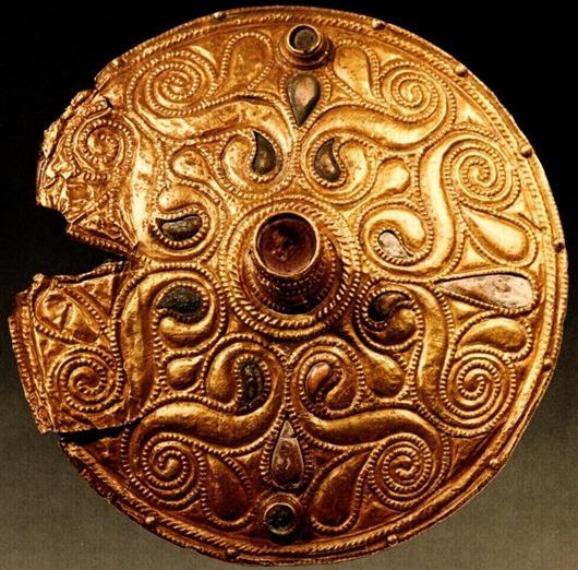 Celtic_Gold-plated_Disc_Auvers-sur-Oise_Val-dOise-663x653