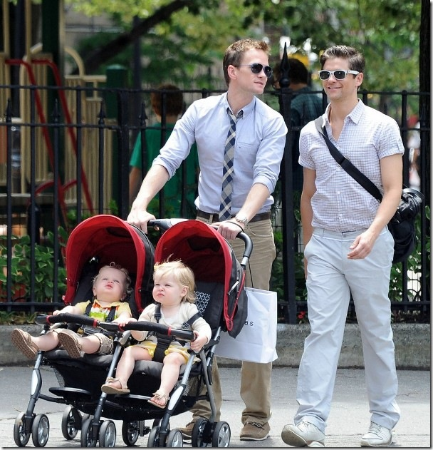 New York, New York .  June 2,  2012  Neil Patrick Harris and David Burtka stroll with their twin daughters  in  New York City.   ***EXCLUSIVE***  Hector Vallenilla/