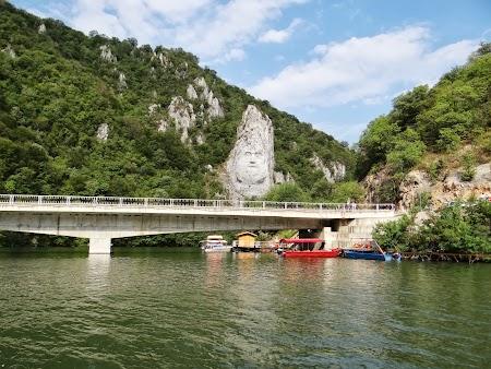 Croaziera pe Dunare: Statuia lui Decebal