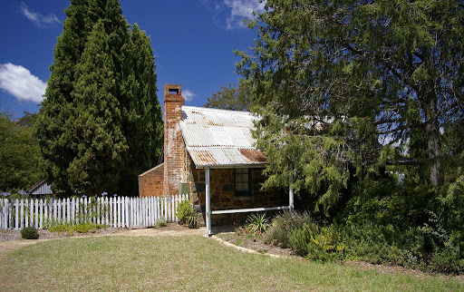 Historic_Blundells'_Cottage.jpg
