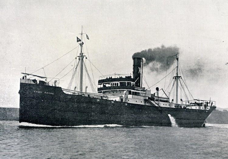 El vapor CABO ROCHE (II) en pruebas de mar. Año 1.922. Foto del libro OBRAS. S.E. DE C.N. Año 1922.JPG
