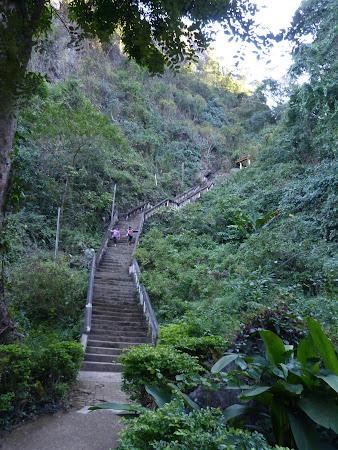 Imagini Laos: drumul spre pestera