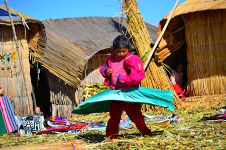 Insulele Uros pe lacul Titicaca