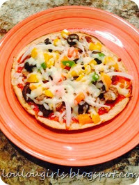 Tortilla-pizza-with-turkey-sausage-bell-peppers-and mozzarella