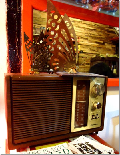 vintage radio at LimiTado