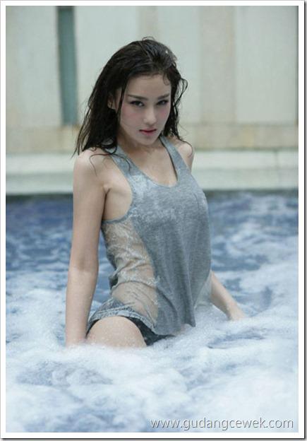Tubuh Seksi Zhang Xin Yu || gudangcewek.com