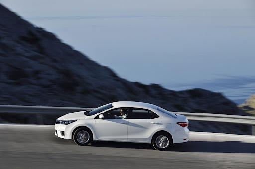 2014-Toyota-Corolla-22.jpg