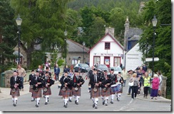 braemar and b&r pipe band