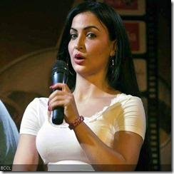 Elli-Avram-promotes-movie-Mickey-Virus