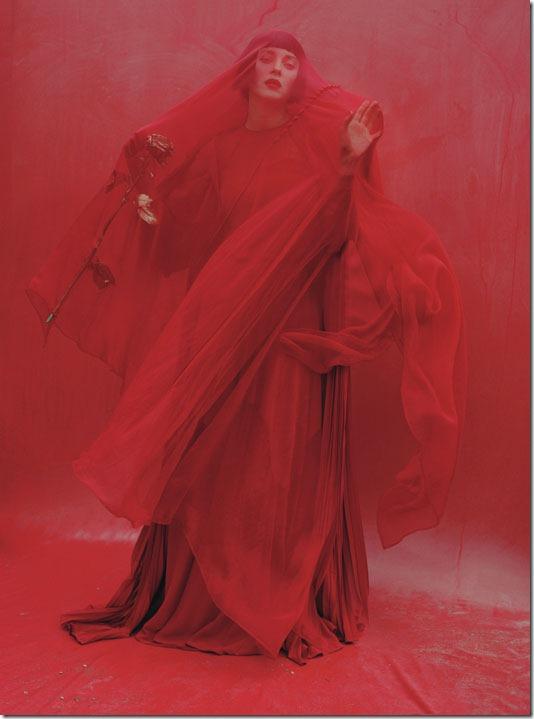 marion-cotillard-w-december-2012-04