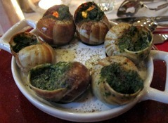 6 escargots au beurre persillé – Snails in parsley butter