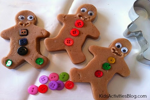 Christmas-gingerbread-men-play-dough