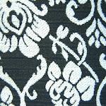 Tkanina meblowa, wzór roślinny, kwiatowy. Czarno-biała.