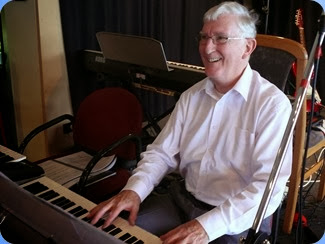 Gordon Sutherland playing Peter Brophy's Korg Pa3X. Photo courtesy of Dennis Lyons