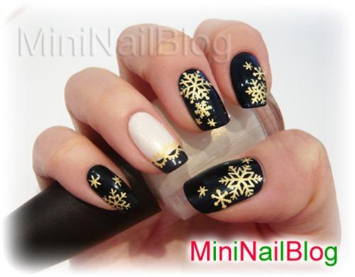 2011-12-13-christmas-nail-art-1