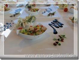 Garnelencocktail auf Tellern