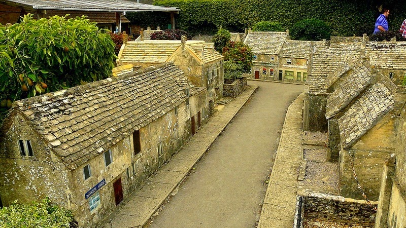 bourton-model-village-13