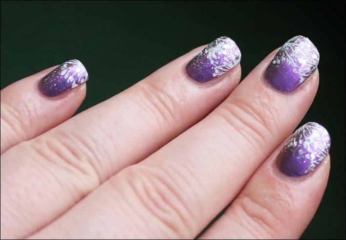 Schneebestäubte Nägel lila Schnee Winter Snow Nail Art Nageldesign Glitter 01