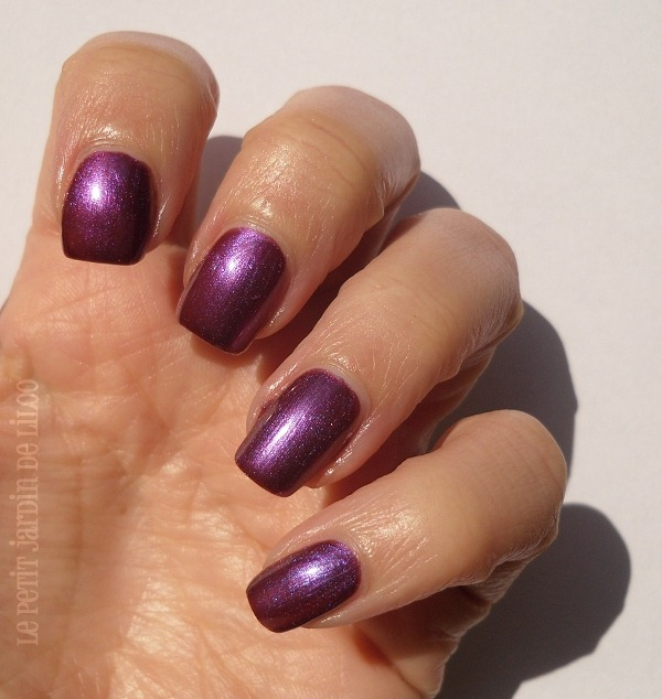 006-rimmel-metal-rush-purple-reign-rain-nail-polish-review-swatch