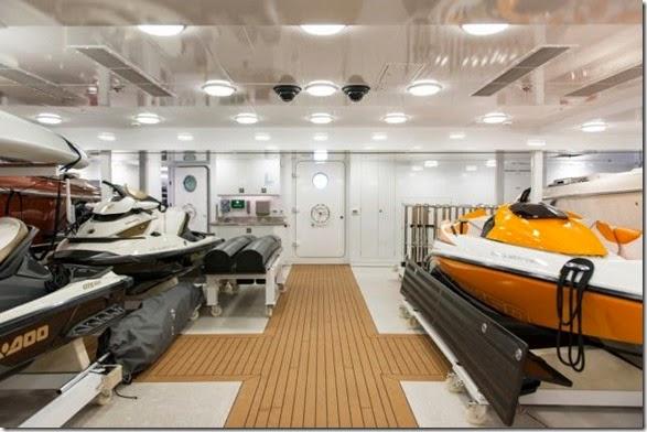 yacht-rental-rich-030