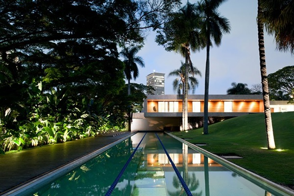 Diseño de piscina casa de lujo