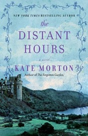 Review of The Distant Hours // www.maybematilda.com