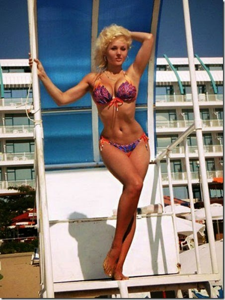 girls-beach-summertime-040