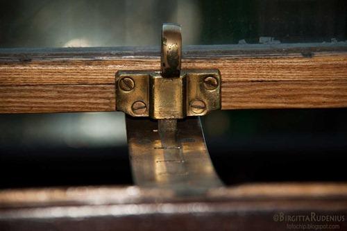 macro_20111128_lock